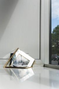 Marta Vovk, Frame, 2015, 27 x 50 cm, Metallrahmen, Spiegel und Fotografie